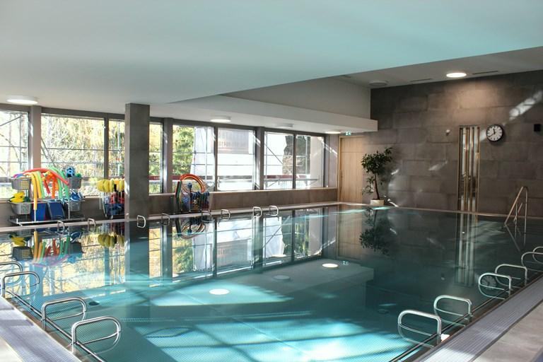 Klinik oberammergau rundgang durch unser neues for Schwimmbad oberammergau